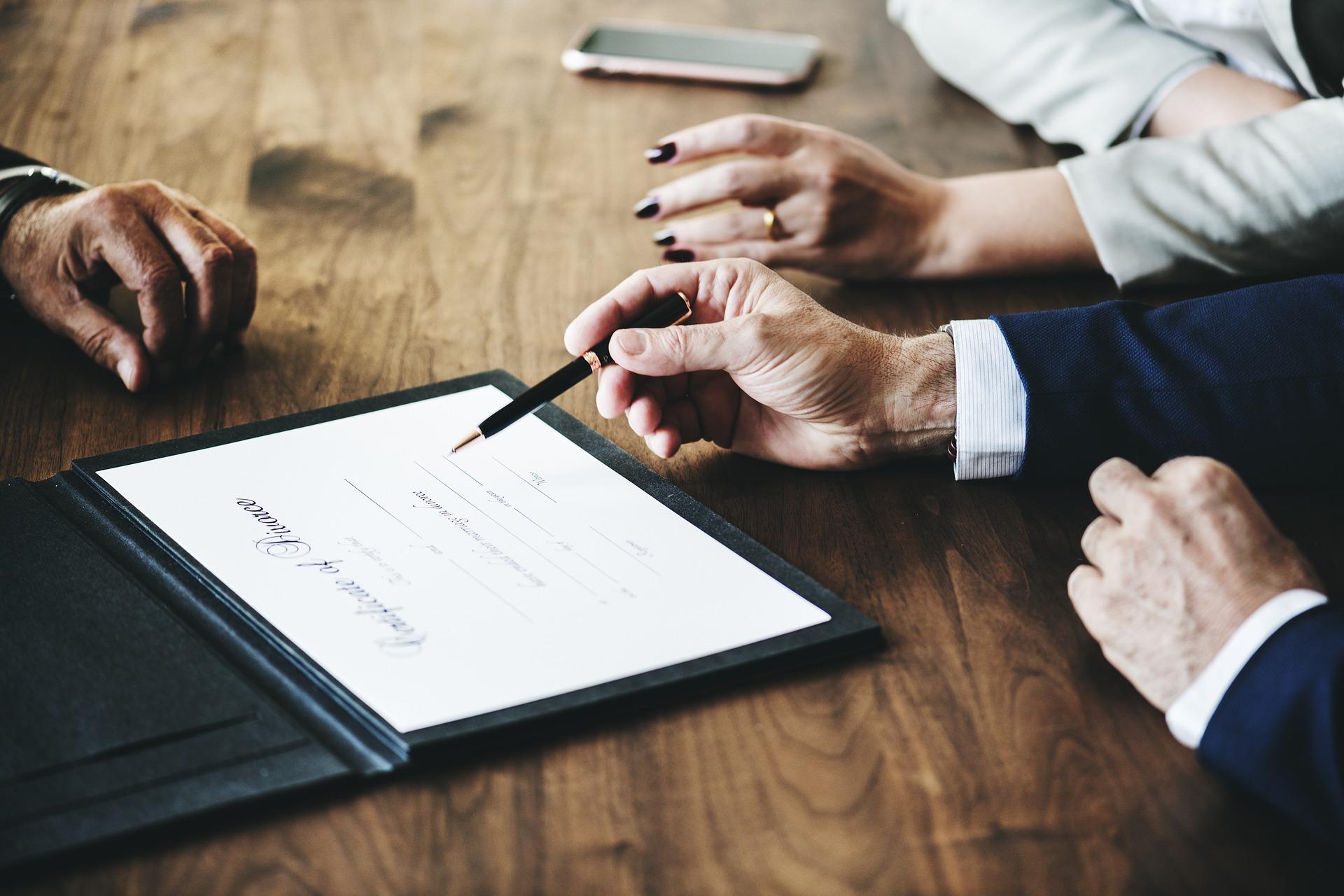 Huwelijksvermogensrecht. Personen- en familierecht. Gebruik van achternaam bij huwelijk of scheiding.