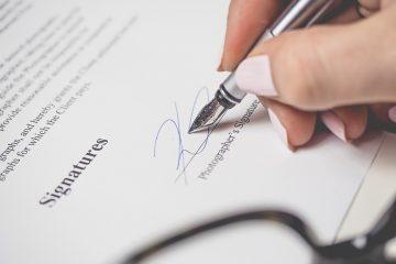 Het ondertekenen van een arbeidscontract